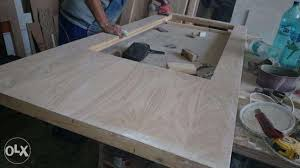 Atelier de tamplarie si restaurare, reconditionare usi, sculptura